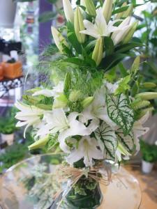 ホワイト&グリーンのアレンジメント
