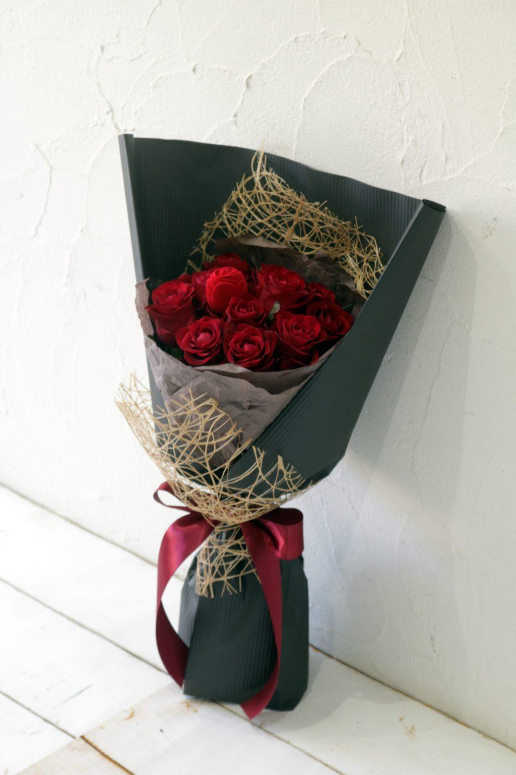 花束 赤バラのサプライズブーケ